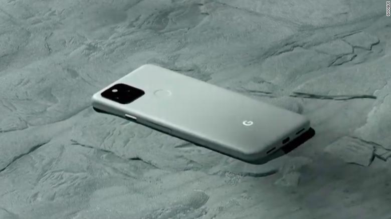 Телефон Google Pixel 5.