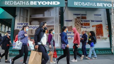 Bed Bath & Beyond gets a lift from people sprucing up their homes in the pandemic