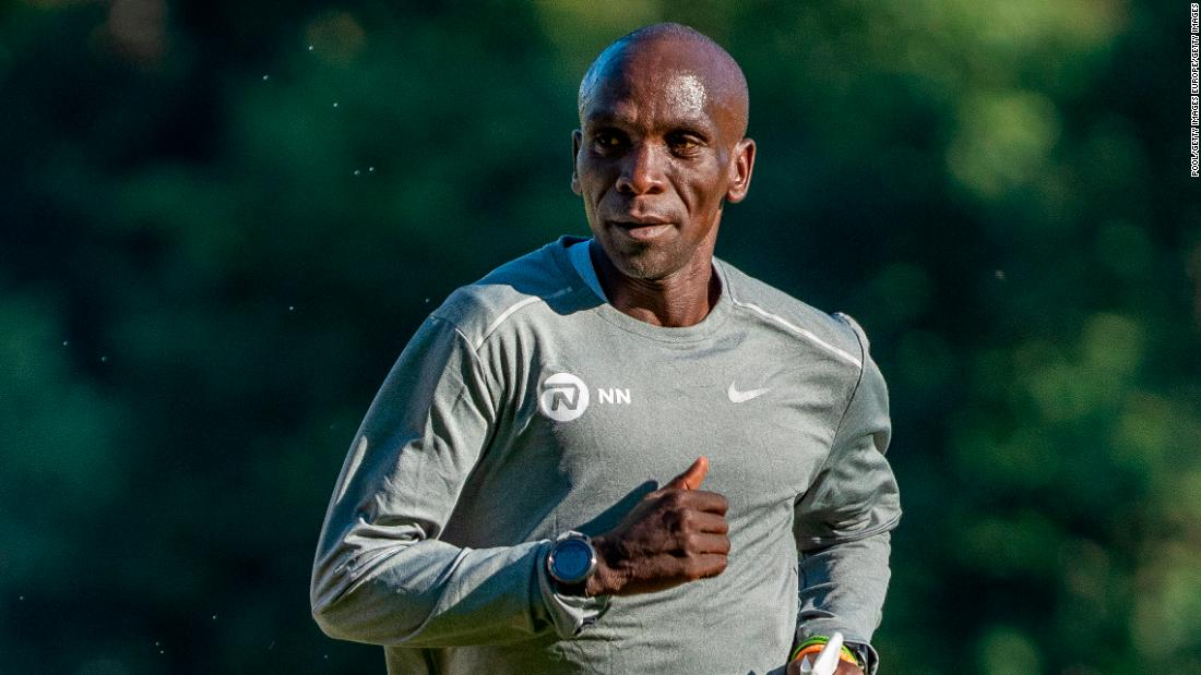 Eliud Kipchoge will wear Nike's controversial shoe for first time in an official race at the London Marathon