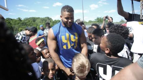 Aaron Donald How Lazy Chunky Kid Became Nfl Superstar Cnn