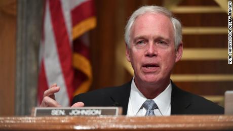 Bu Cumhuriyetçi senatör az önce 6 Ocak'ın 'silahlı ayaklanma' olmadığını söyledi.