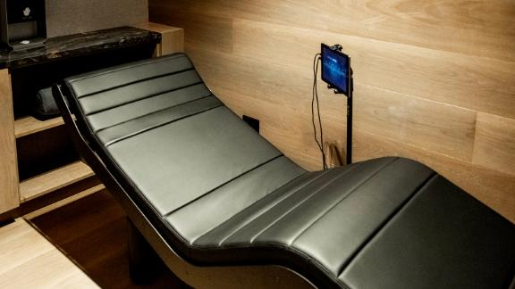 The spa also features vibro-acoustic chairs to help fliers relax before takeoff.