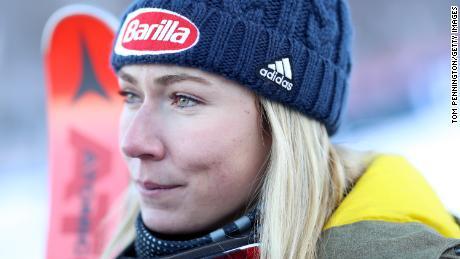 Shriffrin berbincang dengan media setelah finis di posisi ketiga di Slalom Raksasa Putri saat Piala Dunia Ski Audi FIS pada 30 November 2019 di Killington, Vermont.