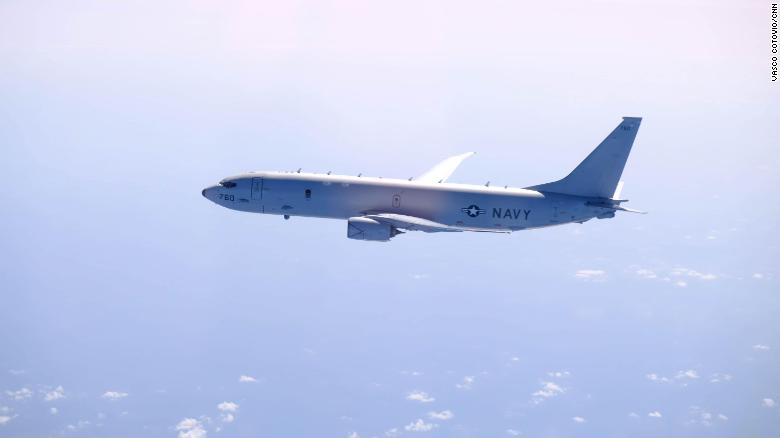 P-8A Poseidon, многоцелевой морской патрульный самолет, специализирующийся на борьбе с подводными лодками, наблюдении и разведке, а также поисково-спасательных операциях.