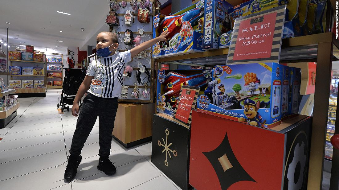3 reasons why holiday toy sales will be huge this year