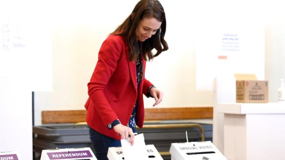 Jacinda Ardern casts her vote on October 3, 2020 in Auckland. Early voting is available in New Zealand ahead of the October 17 election.