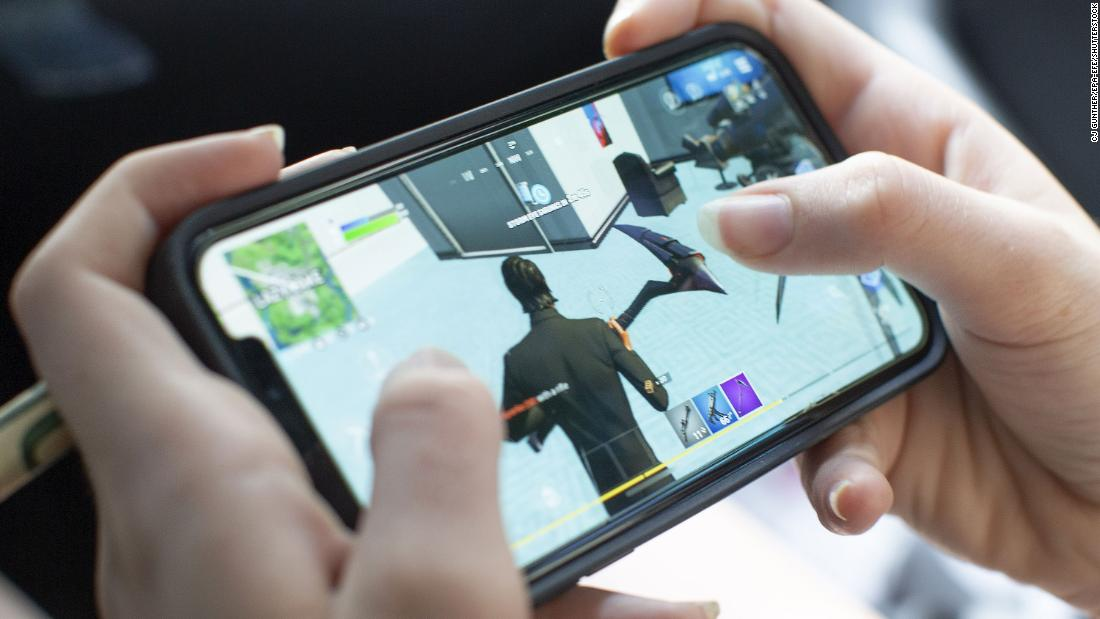 Judge rules Apple can continue blocking Fortnite from the App Store – CNN
