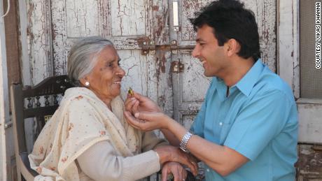 Vikas Khanna feeding his grandma for the last time in Amritsar, Punjab.