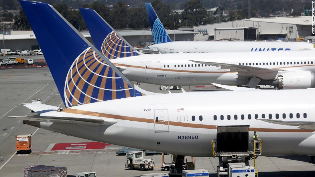 United Airlines to offer free covid testing for passengers on select routes