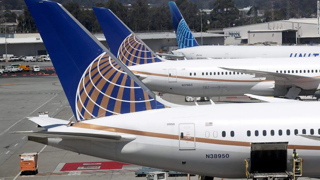 United posts another huge loss after pandemic guts demand for air travel