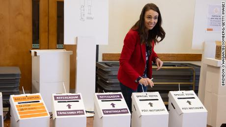 Jacinda Adern, New Zealand's Prime Minister, smiles after casting her ballot at a polling station in Auckland, New Zealand, on October 3, 2020.