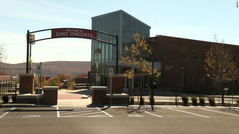 The president of a New York college resigns after more than 700 students test positive for Covid-19