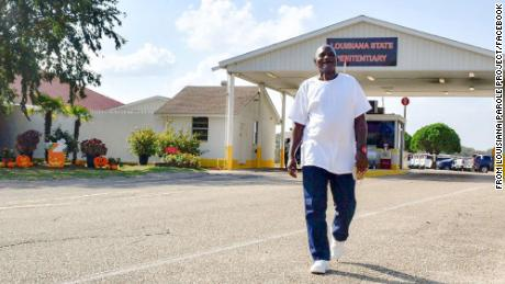 Fair Wayne Bryant walks out of prison after being granted parole on Thursday, October 15, 2020.