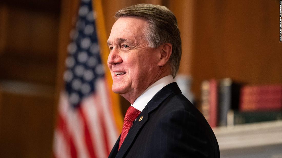 GOP senator deliberately mispronounces Harris' name at Trump rally