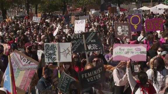 Image for Crowds gather for Women's March to protest Trump and Supreme Court nominee