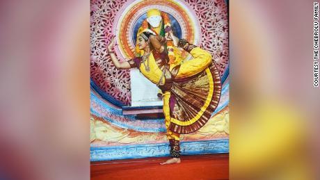 Anika performs Bharatanatyam, an ancient Indian dance.