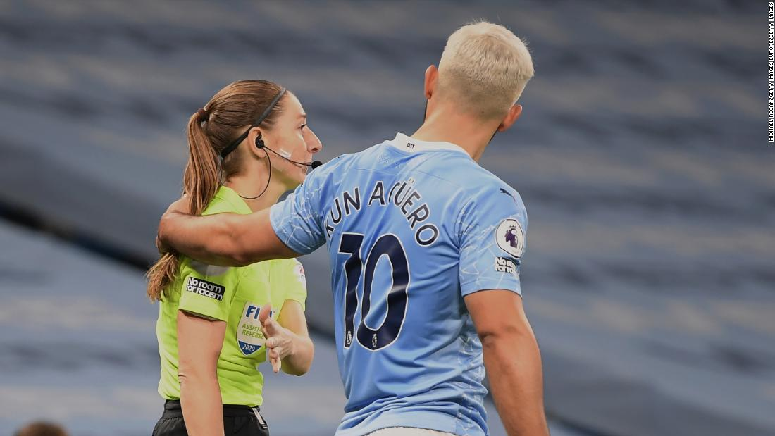 Man City star widely criticized for putting his hand on shoulder of female official