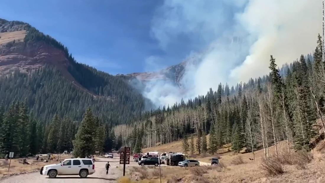 23 people rescued from a hiking trail in Colorado as wildfires rage across the western US – CNN