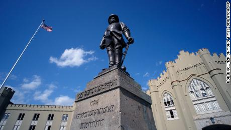 """A statue of Gen. Thomas J. """"Stonewall"""" Jackson stands in front of the VMI barracks."""