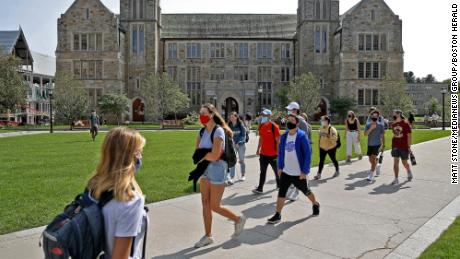 Will college students bring Covid-19 home for Thanksgiving?