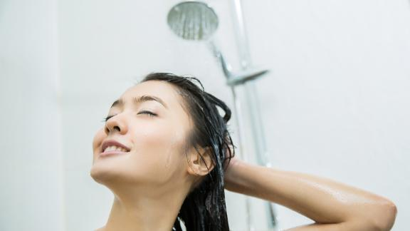 The best dandruff shampoos, according to dermatologists