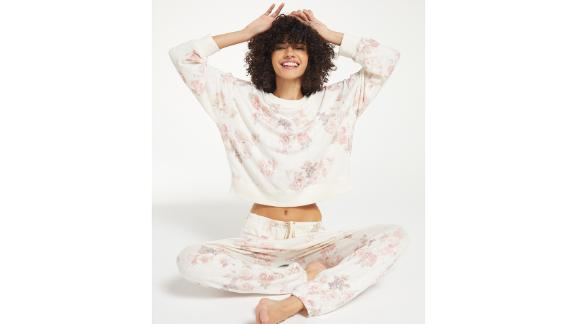 Z Supply Elle Floral Long Sleeve Top & Ava Floral Joggers