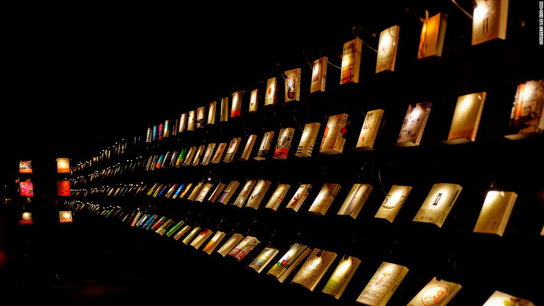 At this bookstore in Taiwan, visitors shop in the dark 4