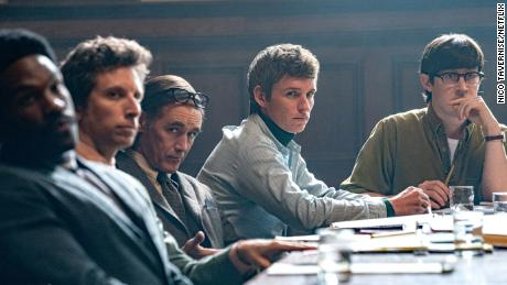 YAHYA ABDUL-MATEEN II as BOBBY SEALE, BEN SHENKMAN as LEONARD WEINGLASS, MARK RYLANCE as WILLIAM KUNTSLER, EDDIE REDMAYNE as TOM HAYDEN, ALEX SHARP as RENNIE DAVIS.