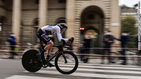 Geoghegan Hart competes in the individual time trial that finished in Milan.
