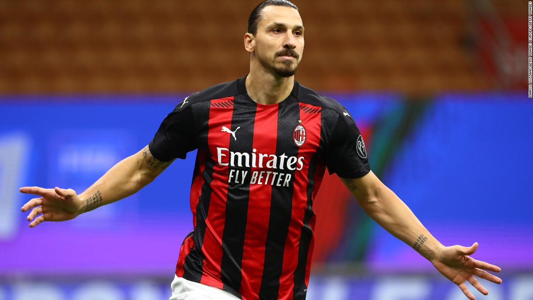 Zlatan Ibrahimovic scores twice as Serie A leader AC Milan draws against AS Roma