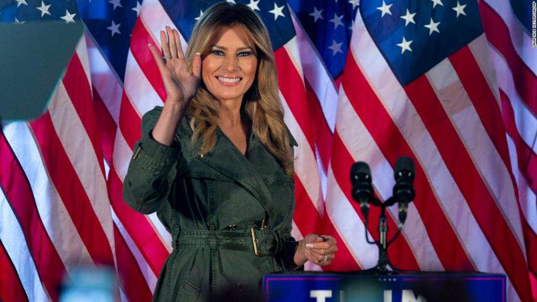 Melania Trump slams Democrats during first solo campaign event