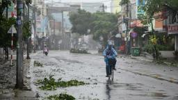 Vietnam: Typhoon Molave leaves at least 25 dead and scores missing