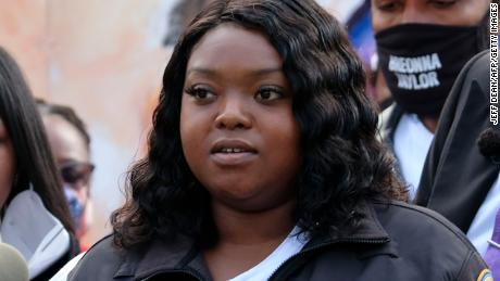 Bianca Austin, Breonna Taylor's aunt, speaks at a news conference in Louisville, Kentucky, on September 25.