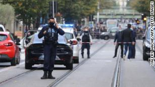 [Image: 201029091112-02-france-nice-incident-102...us-169.jpg]