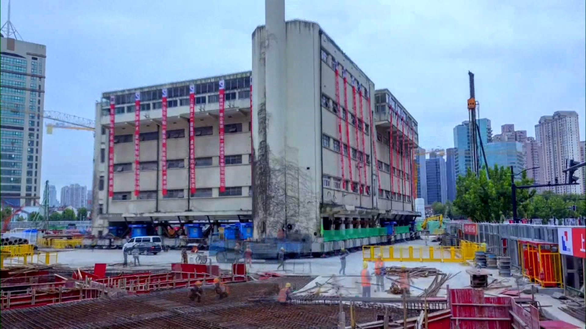 A 5-story building in China 'walks' to new location - CNN Style