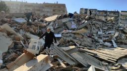 Powerful 7.0 earthquake rattles Turkey and Greece