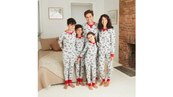 مجموعه لباس خواب خانوادگی تطبیق چاپ حیوانات Holiday Safari