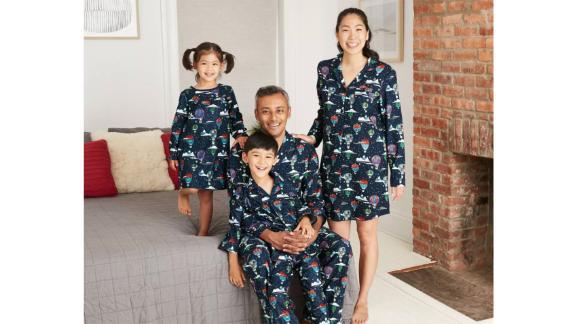 مجموعه لباس خواب خانوادگی تطبیق فلانل با بالون چاپ هوای تعطیلات