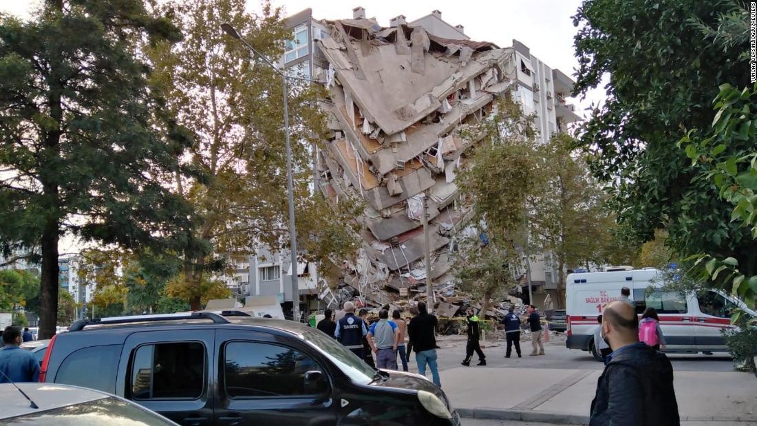 Powerful earthquake jolts Turkey and Greece, killing at least 14
