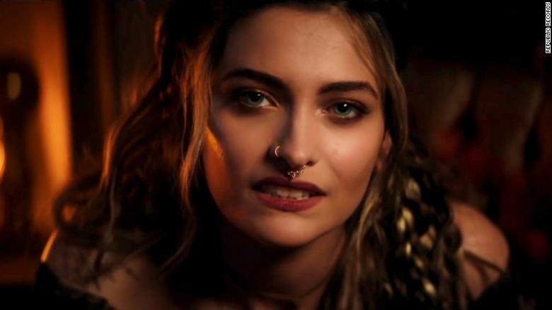 Paris Jackson Debuts Let Down And Signs Record Deal Cnn
