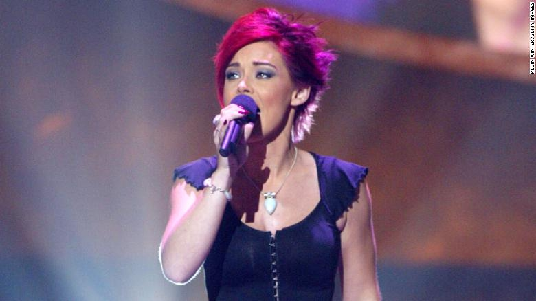 Nikki McKibbin, 'American Idol' contestant, has died at 42
