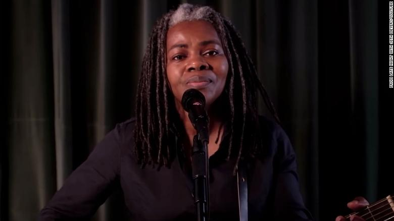 Tracy Chapman makes rare TV appearance to urge voting