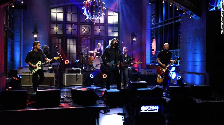 Foo Fighters debut new single 'Shame Shame' on 'SNL'
