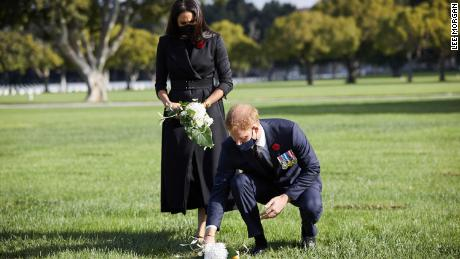 The couple also laid a wreath at an obelisk.