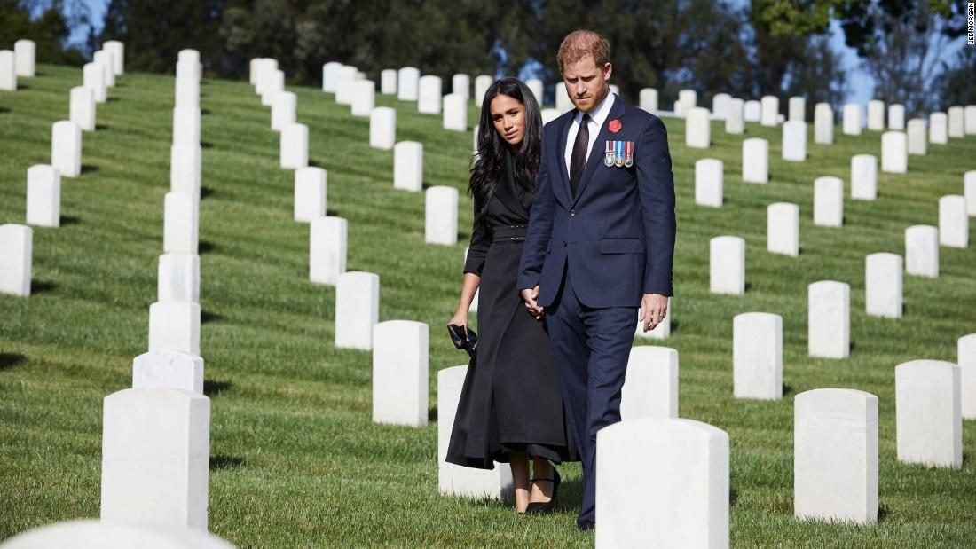 Harry and Meghan lay wreath on Remembrance Sunday visit to LA cemetery – CNN
