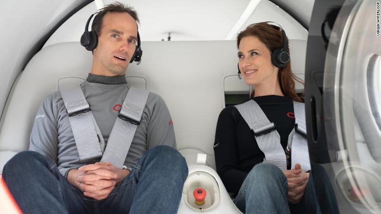 Virgin Hyperloop baru-baru ini menyelesaikan uji coba pertamanya dengan penumpang di dalam podnya.