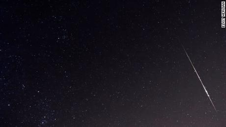Taurydzkie kule ognia wyglądają jak smuga światła na niebie i pojawiają się tylko na sekundę lub dwie.