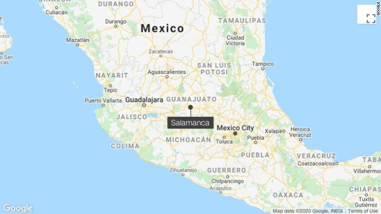 Исраэль Васкес был застрелен в Саламанке, городе в центральном мексиканском штате Гуанахуато.