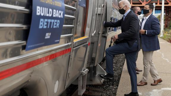 CLEVELAND, OHIO - SEPTEMBER 30: Democratic U.S. presidential nominee Joe Biden embarks on a train campaign tour at the Cleveland Amtrak Station September 30, 2020 in Cleveland, Ohio. Former Vice President Biden continues to campaign for the upcoming presidential election today on a day-long train tour with stops in Ohio and Pennsylvania. (Photo by Alex Wong/Getty Images)