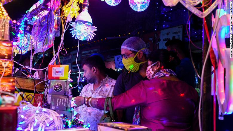 As India prepares to celebrate Diwali, experts warn that coronavirus cases could rise